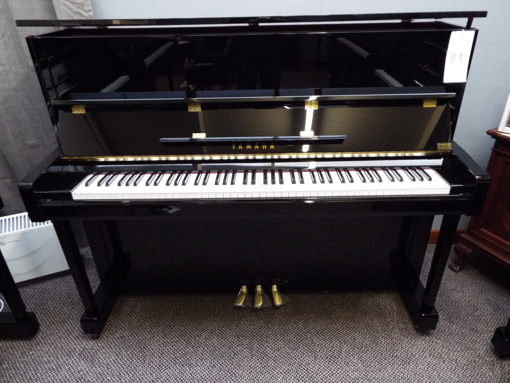 Yamaha b3 pe new used pianos ni northern ireland for Yamaha b series piano